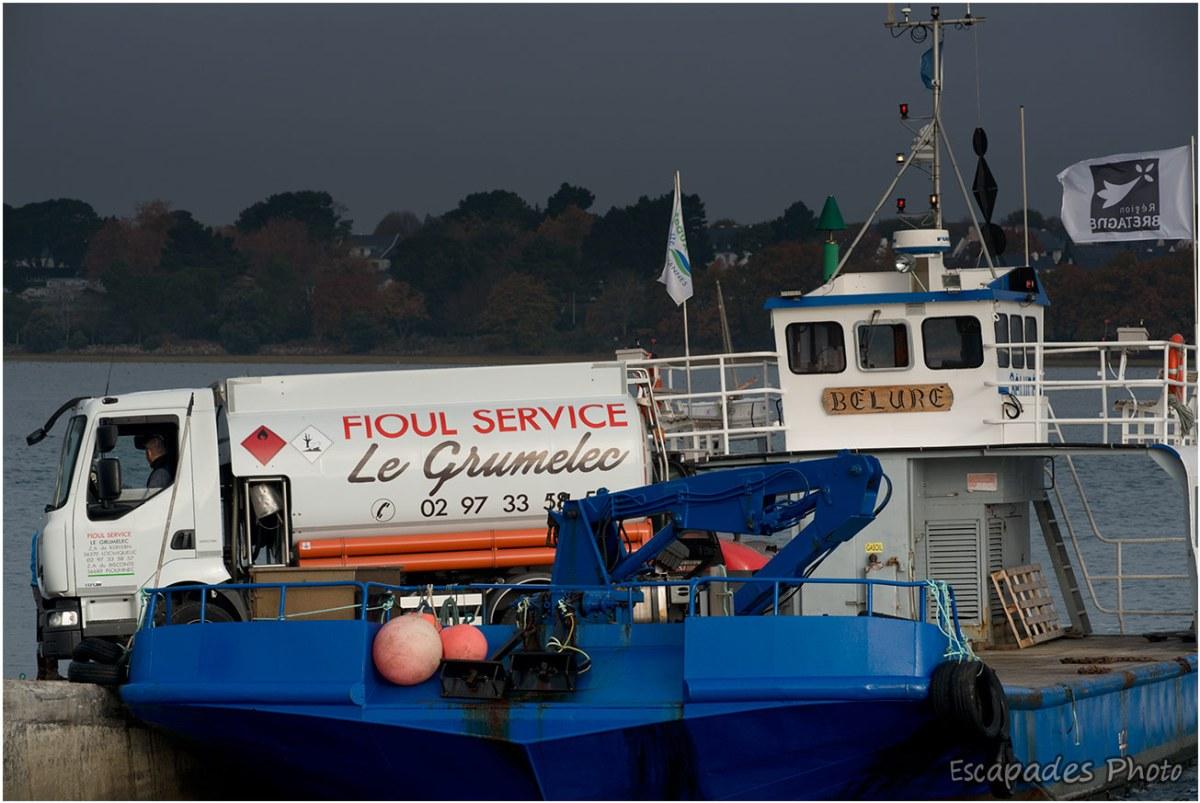 Barrar'ach  : sortie d'un camion de la barge Beluré