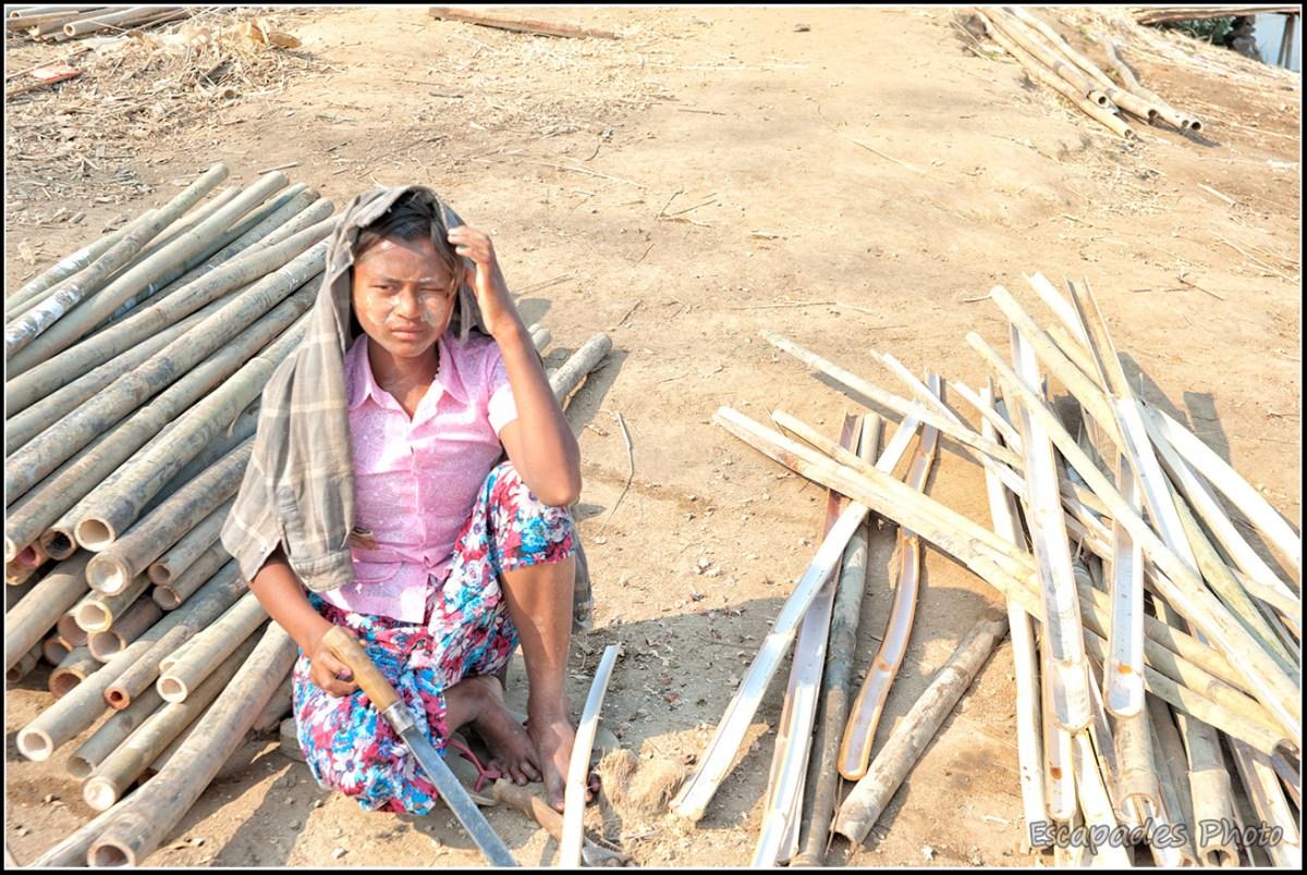 Peuple de la rivière à Mandalay : Travail du bambou