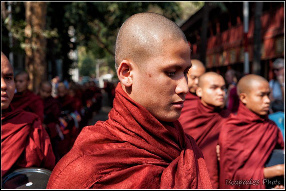 Moine bouddhiste à Mahagandayon