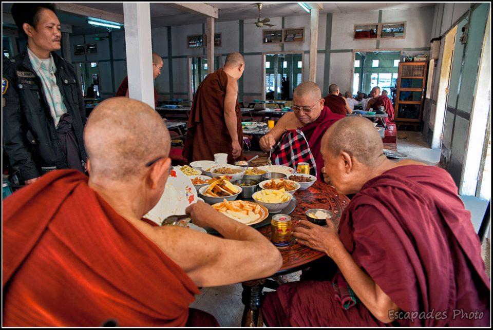 Mahagandayon - Repas des maîtres bouddhistes