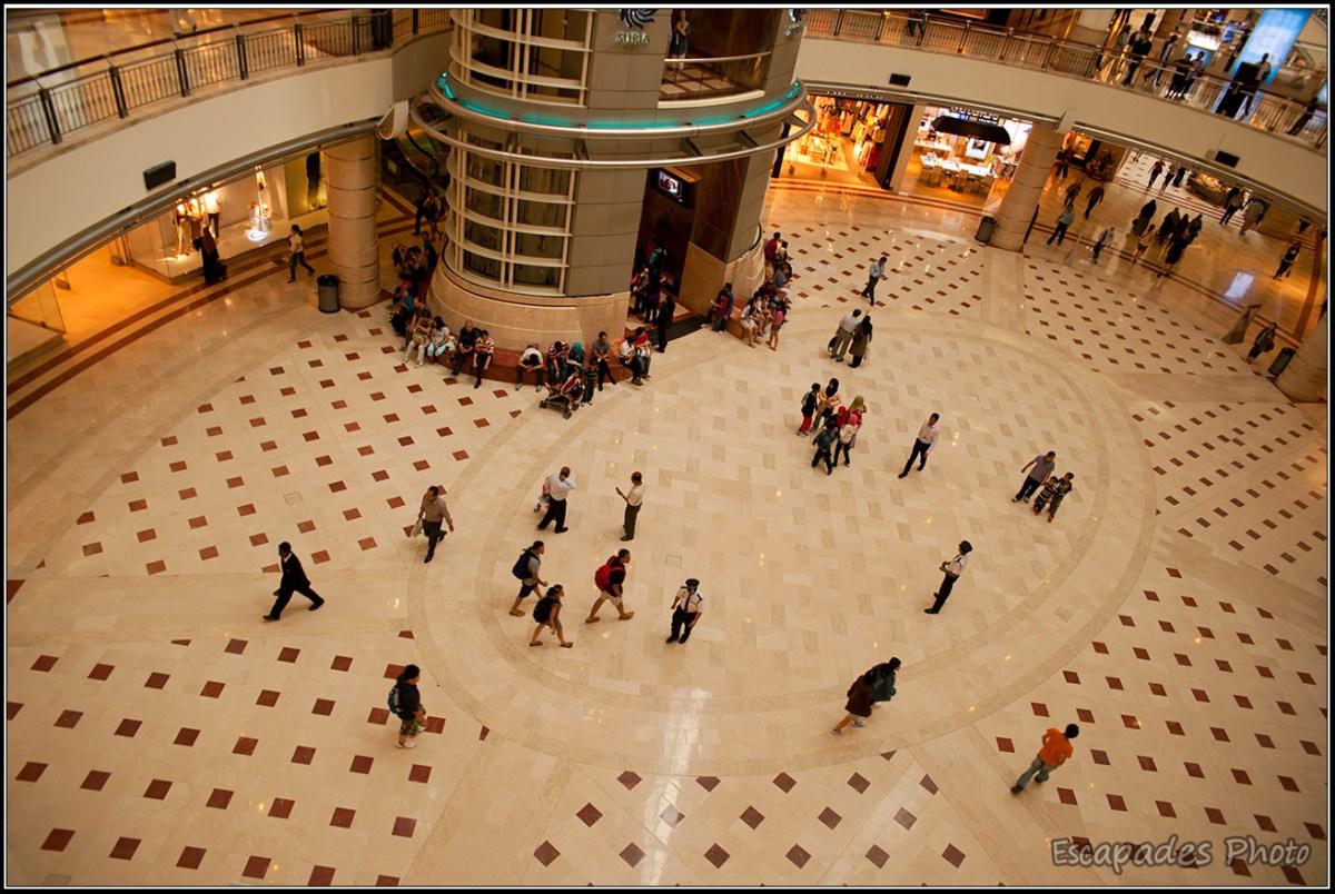 Centre commercial des Tours Petronas - L'immense hall