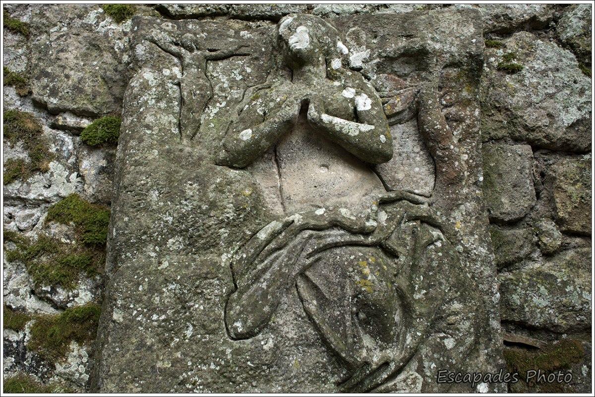 Bormazo - Vierge en adoration devant Jésus en croix
