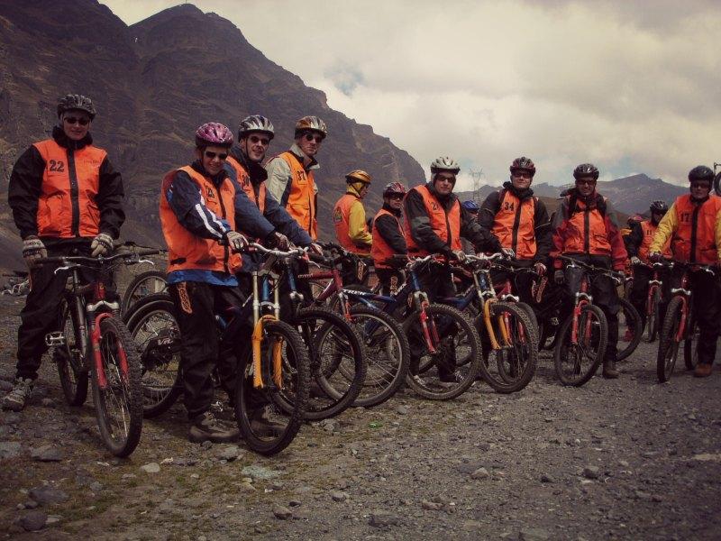 Downhill Madness auf der Death Road bei La Paz