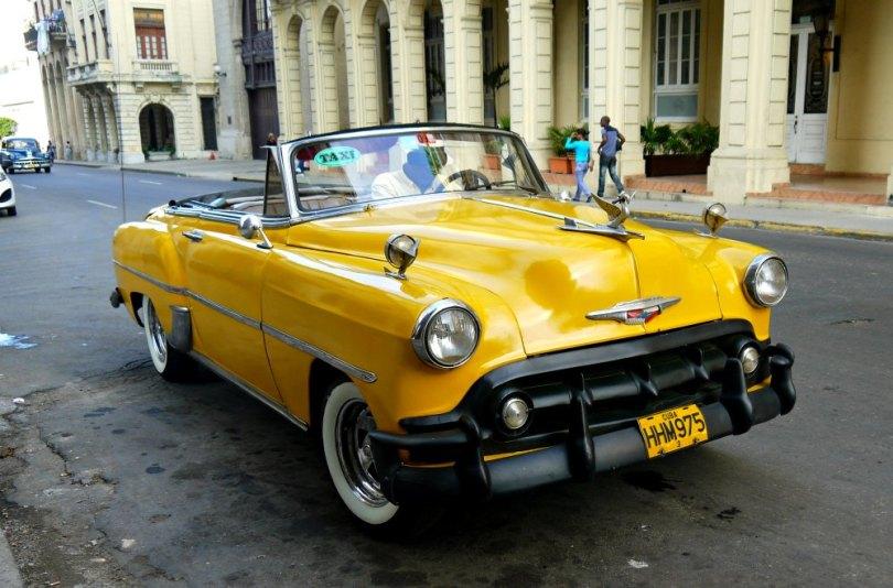 Mit dem Oldtimer durch Havanna