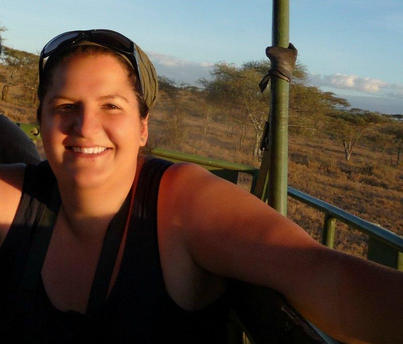 Statt mit dem Overland Truck geht es mit dem Safari Jeep durch die Serengeti