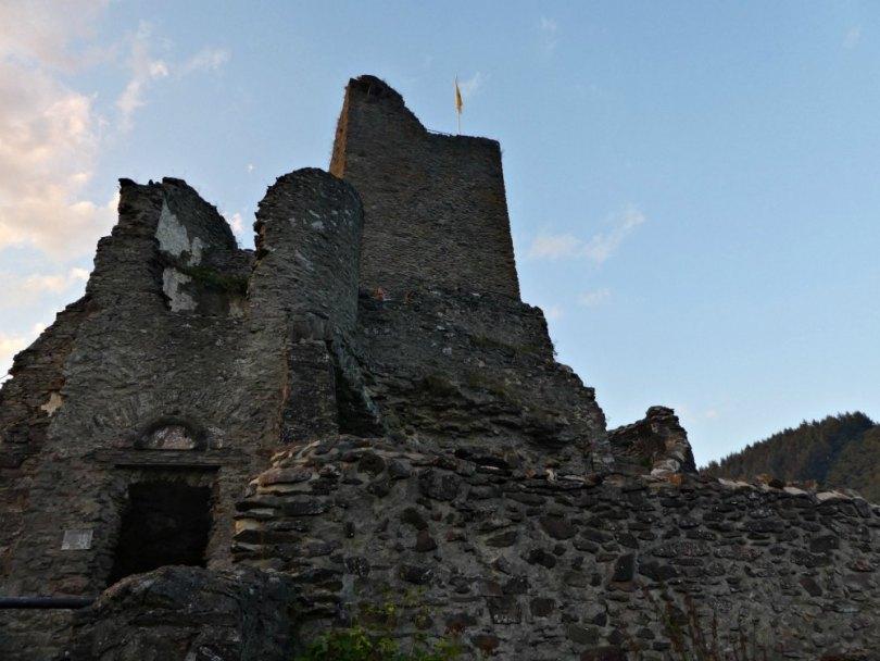 Historisches Burgenfest in Manderscheid: Bergfried und Niederburg