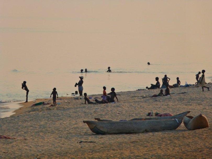 Strandleben am Malawi See - Kande Beach