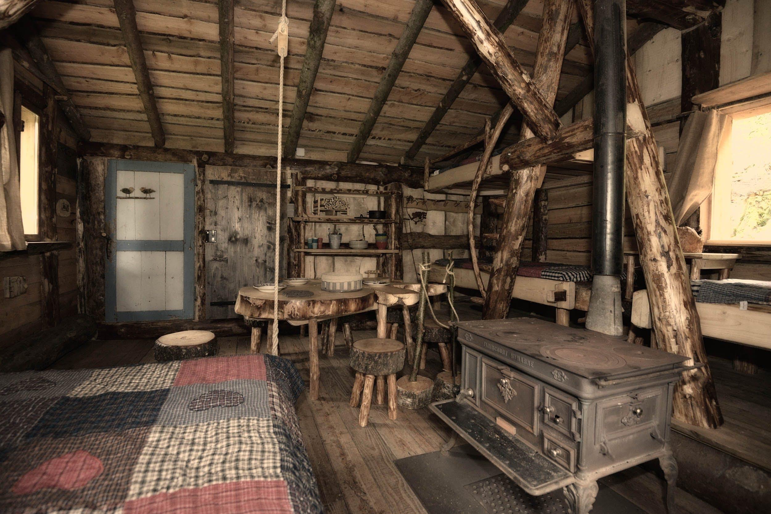 La Cabane Du Trappeur Inside Escape Game Aux Mathes