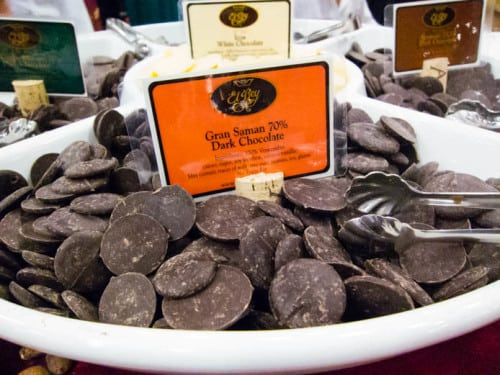 Food Network ex-starlet Paula Deen would hate this dark chocolate from El Rey, but she's racist.