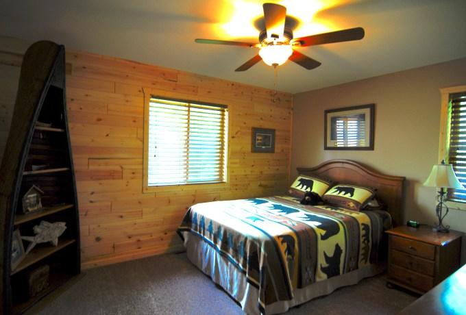 Grindstone Queen upstairs bedroom