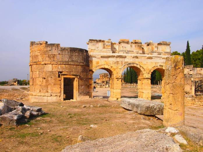 que ver y hacer en pamukkale hierapolis ruinas