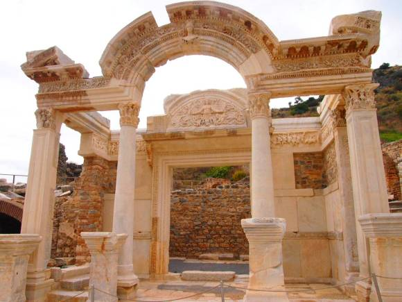 Ephesus Ancient City. First-Timers guide