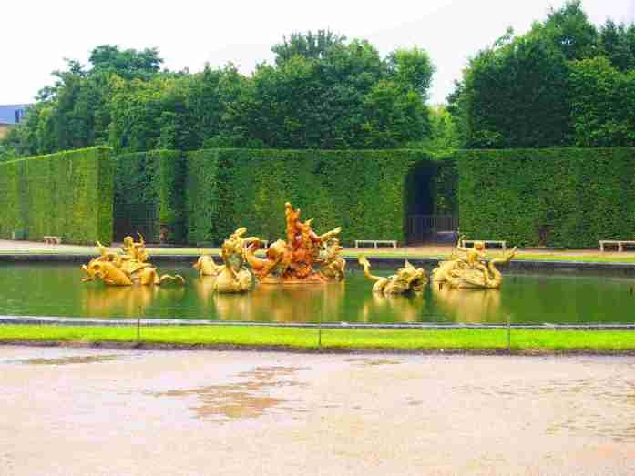 25 maneras de ahorrar en tu viaje a paris este 2019 Jardines de Versalles fuente con poseidon