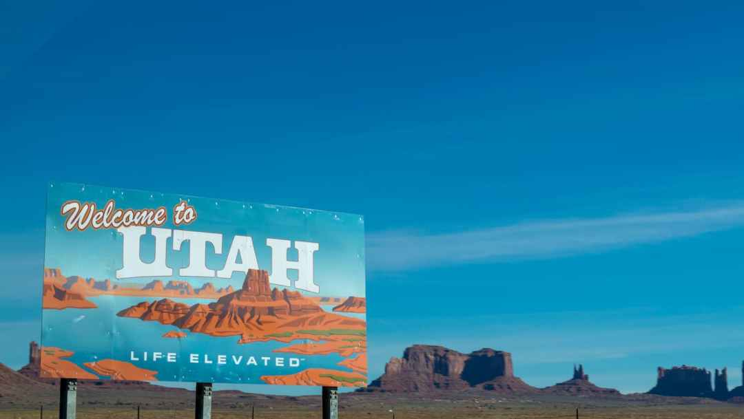 welcome-to-utah-poster-under-blue-daytime-sky-954289 (1)