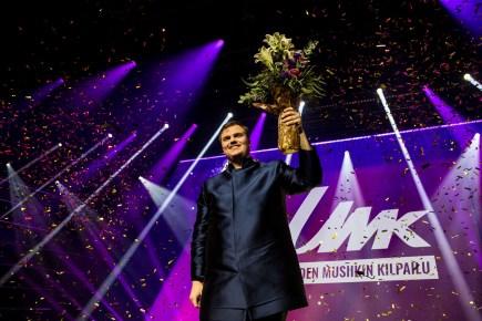 Aksel - Looking Back Finland 2020 (Uuden Musiikin Kilpailu) (ESCBEAT.com) Eurovision 2020