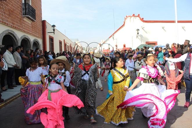 Con desfile se conmemoró el 109 Aniversario de la Revolución Mexicana en Ixtacuixtla.