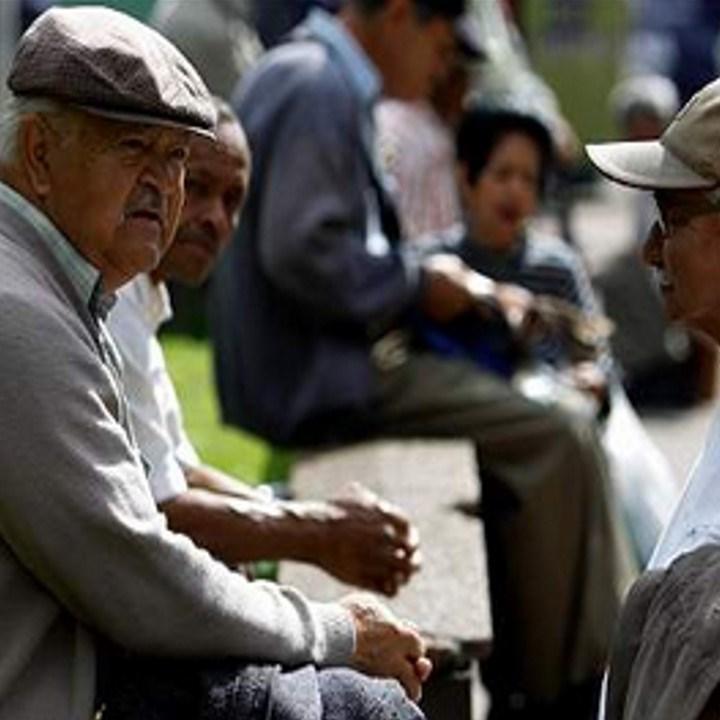 Atiende asilo de Españita a 70 personas
