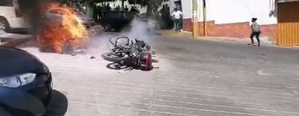 Se desata violencia en Totolac; dos motopatrullas incendiadas el saldo al momento