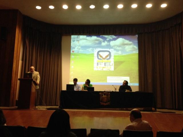 Lorenzo Meyer presentado su libro en el auditorio Narciso Bassols de la Facultad de Economía.
