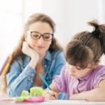 Babá, avó ou escola: mitos e verdades sobre cuidados com filhos