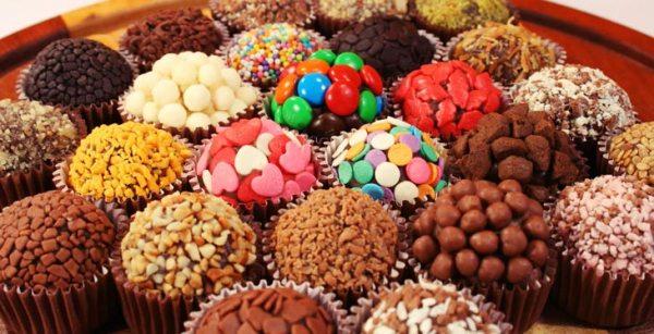 Ideias Para Trabalhar Em Casa com bolos,docinhos e salgados para festas
