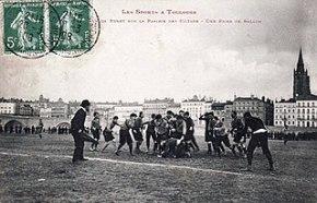 Match de rugby sur la Prairie de Filtres à Toulouse en 1906