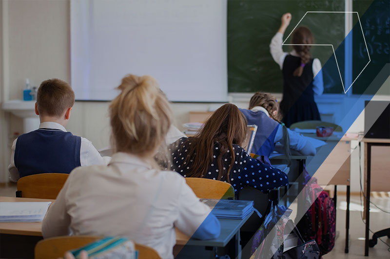 Escolas Low Cost: conheça o movimento das escolas particulares baratas