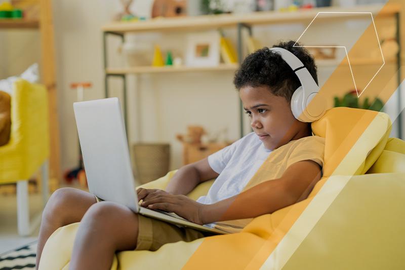 Ensino híbrido: uma nova forma de lidar com uma geração híbrida