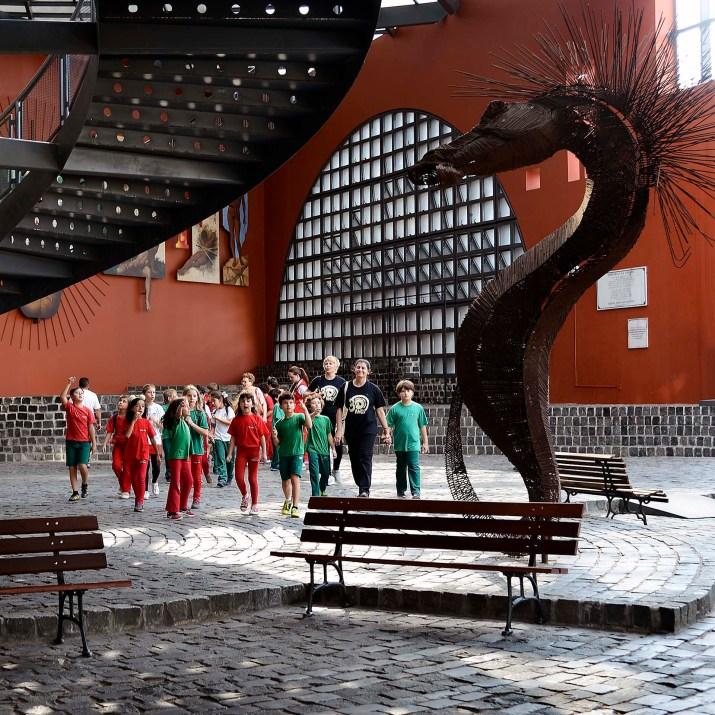Escultura de Sergio Ferro, no Memorial de Curitiba