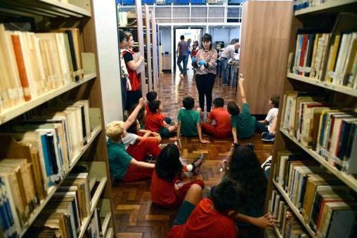 Seção de literatura paranaense e periódicos - Biblioteca Publica do Paraná (BPP)