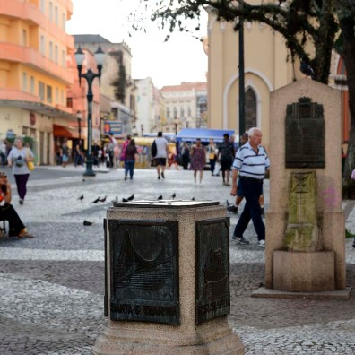 Marco Zero da cidade de Curitiba. Praça Tiradentes.