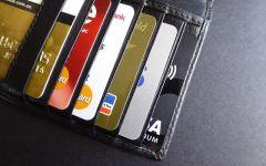 Cartão de crédito pode gerar dívidas impagáveis…ou não.