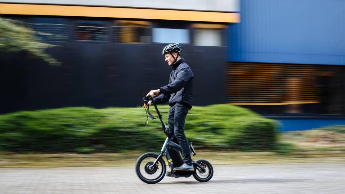 Steereon: E Scooter mit Allradalenkung
