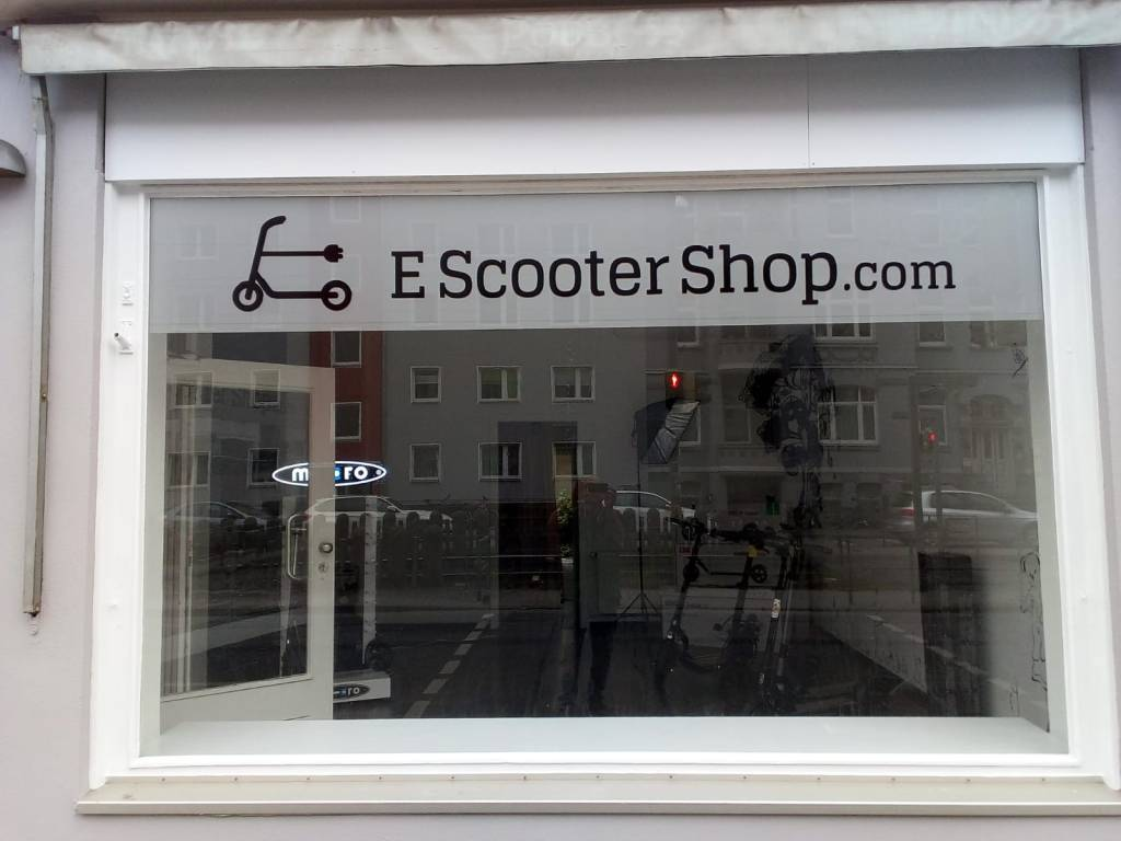 E Scooter Shop Schaufenster
