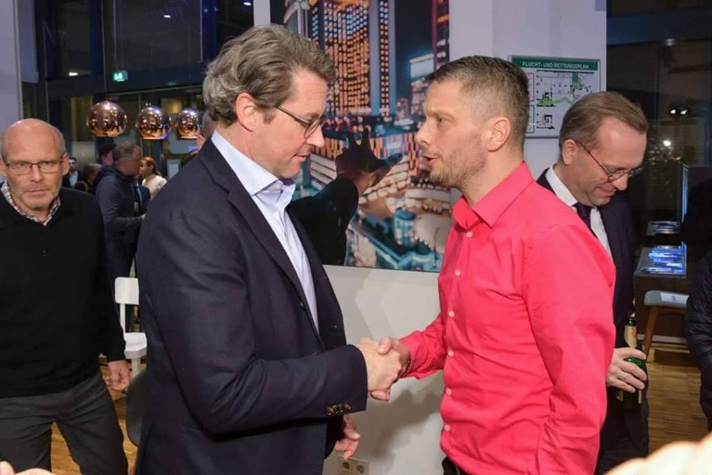 Andreas Scheuer mit Lars Lemke von Electric Empire