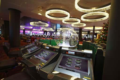 オンラインカジノと普通のカジノとの違い