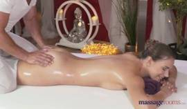 Massage – Ani Black Fox