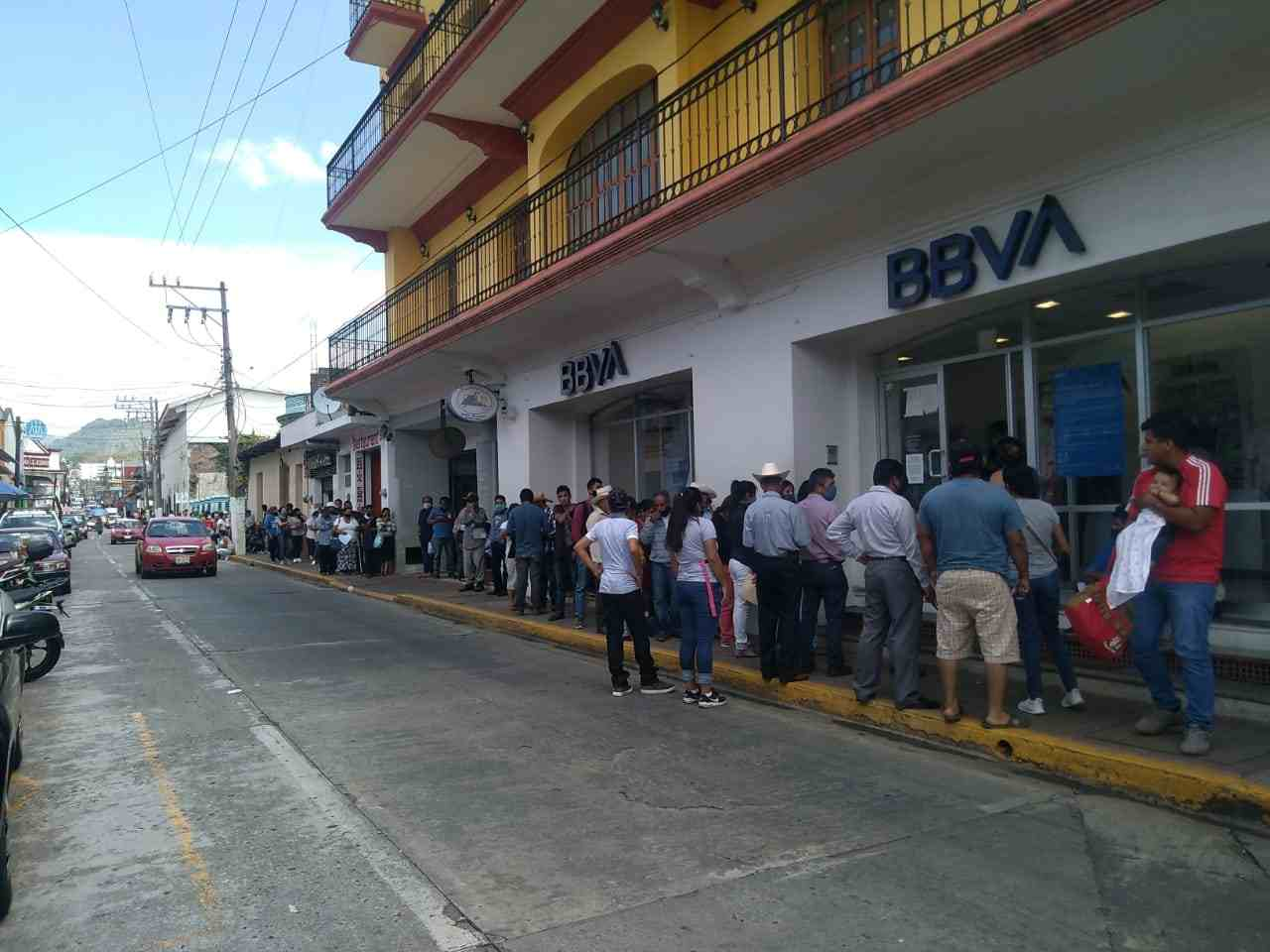 SIGUEN AGLOMERACIONES EN HUATUSCO