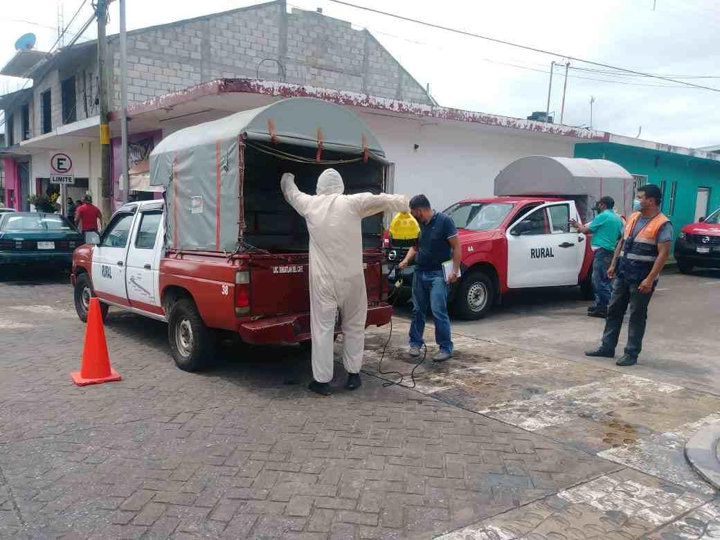DESINFECTAN UNIDADES DE TRANSPORTE PÚBLICO