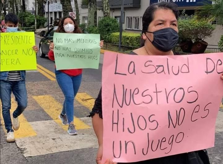 SECRETARIO DE SALUD NO ATIENDE A PADRES DE NIÑOS CON CÁNCER