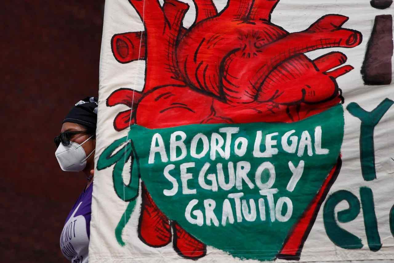 GOBIERNO PIDE REVISAR 432 CASOS DE ABORTO EN MÉXICO TRAS FALLO DE LA SCJN