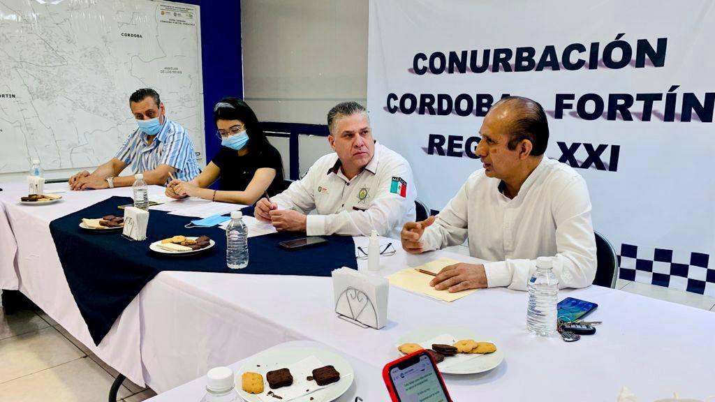 SE REÚNE TITULAR DE SSP CON SECTOR COMERCIAL Y EMPRESARIAL