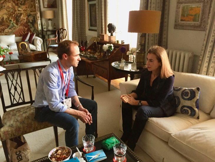 Carmen Posadas entrevista en su casa de Madrid frente Zarzuela