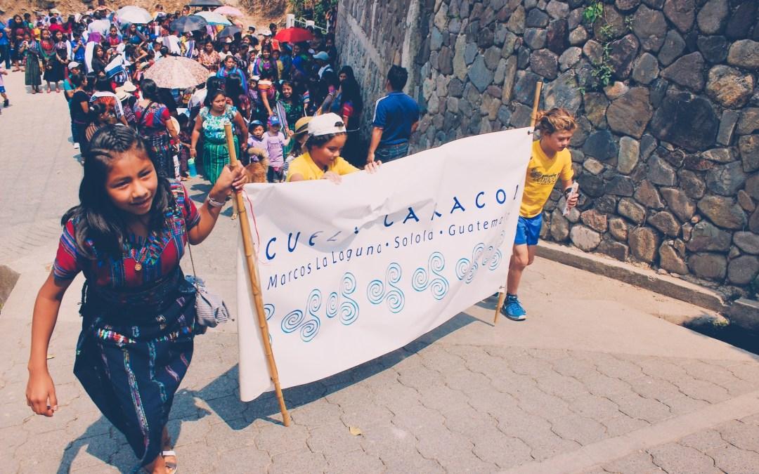 El desfile en San Marcos la Laguna