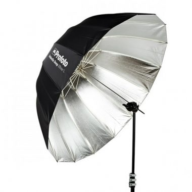 profoto-umbrella-deep-silver-l-escuela-cine-malaga-material-fotografico-fotografia-foto-master