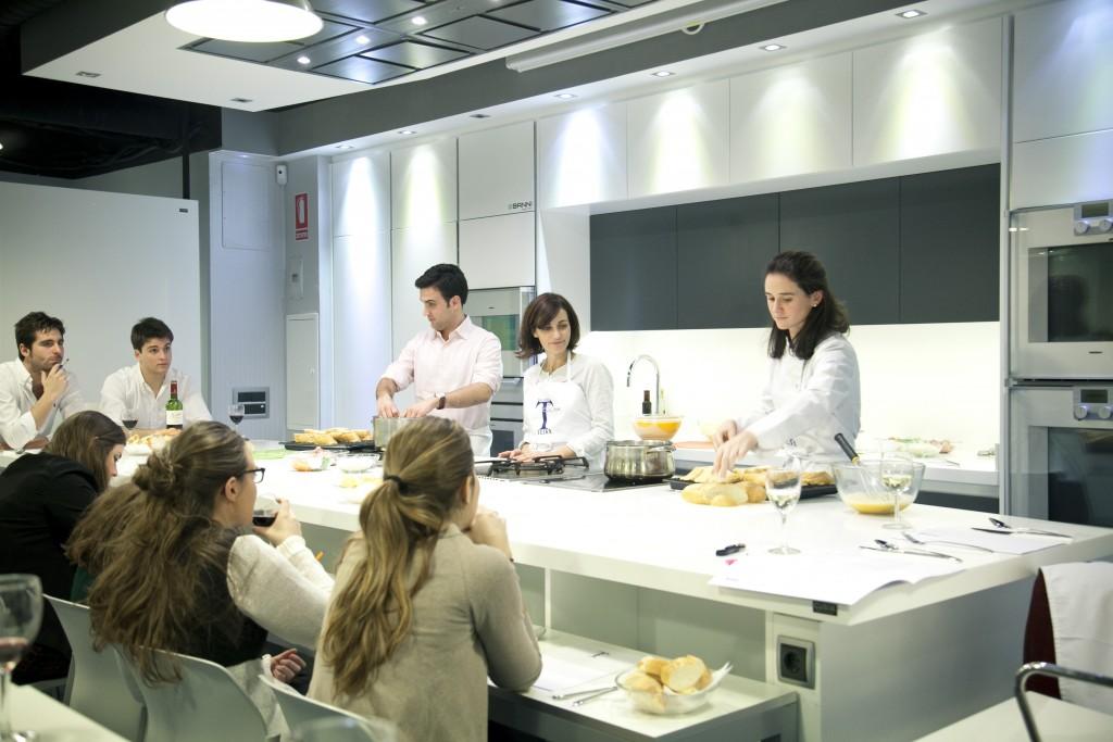 Cursos de cocina en marzo  Escuela de cocina TELVA  Ses