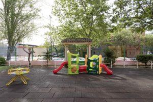 Juegos del patio exterior de la Escuela Infantil Booma