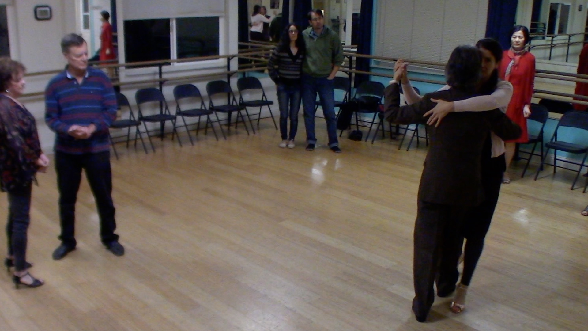 Argentine Tango beginer class with Mimi: crossed system walk