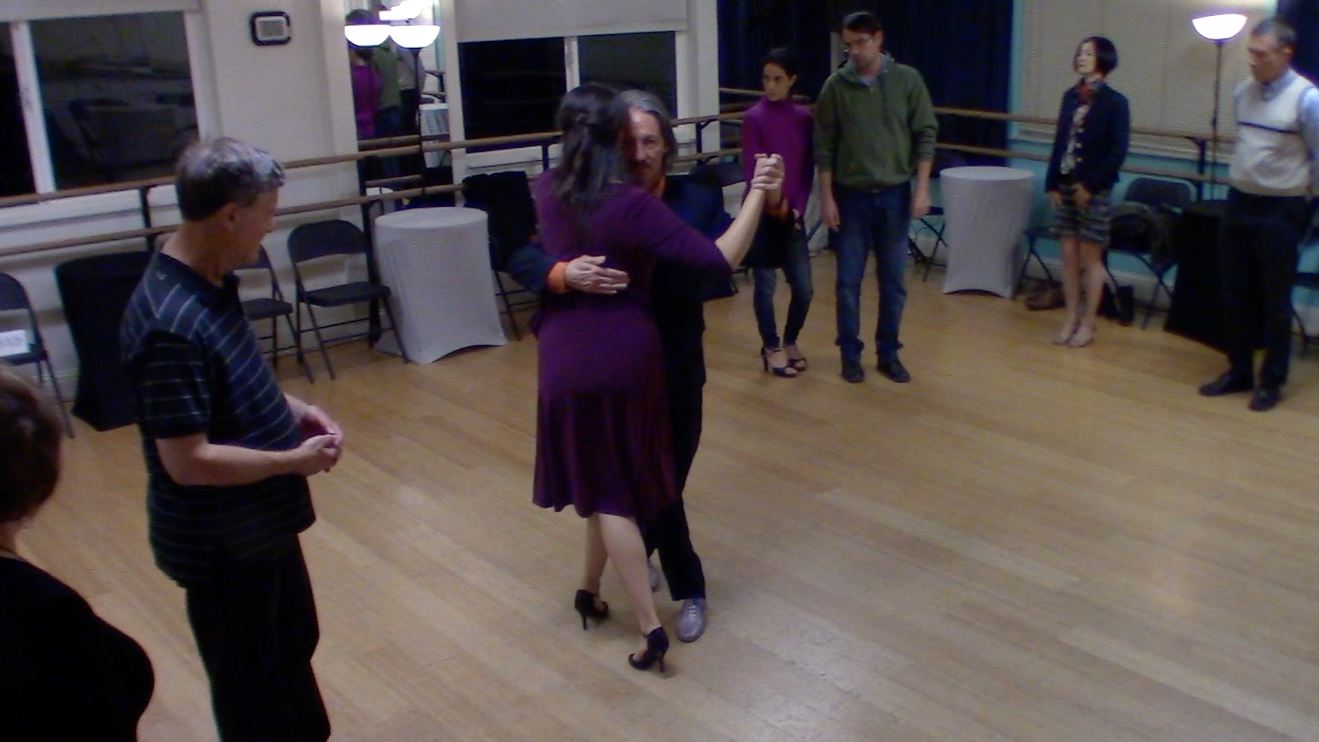 Argentine Tango beginner class with Mimi: walking, pause and systems