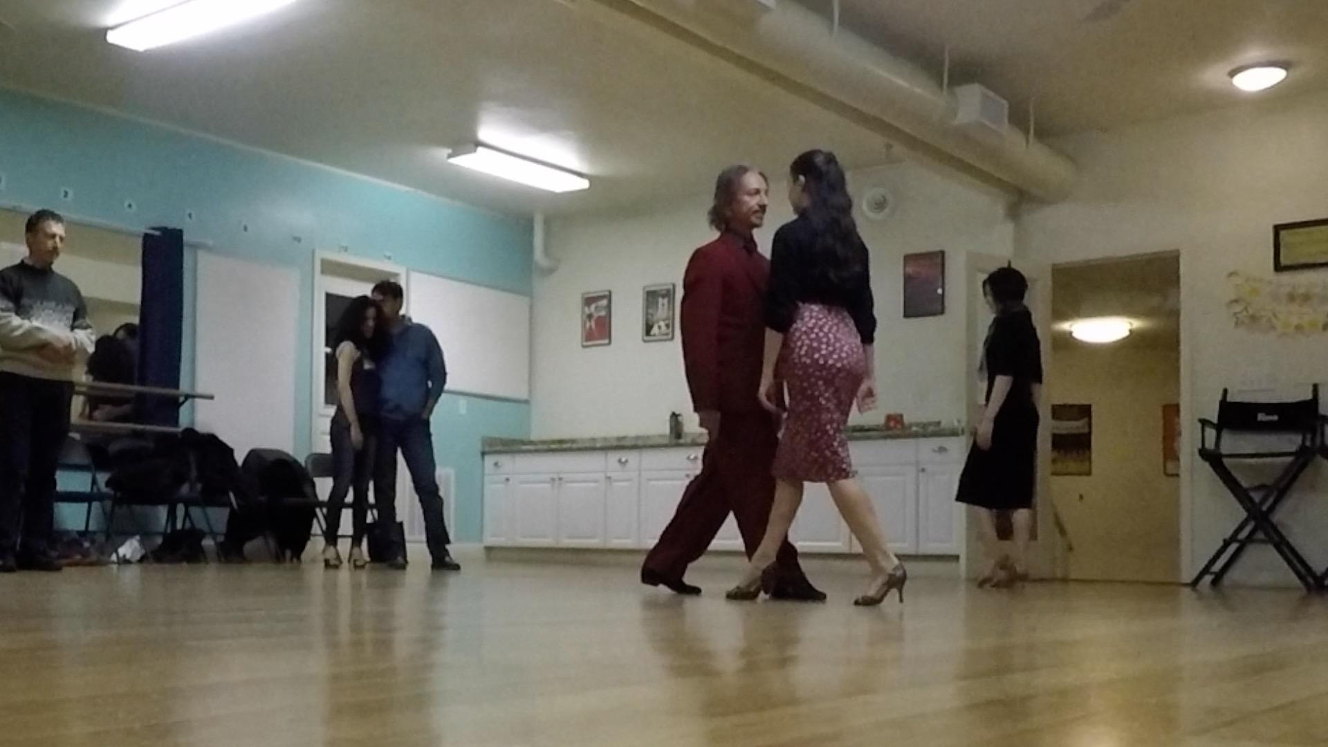 Argentine Tango beginner class with Miranda: connection